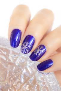snowflake nails tutorial