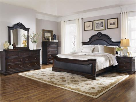 cambridge bedroom furniture coaster furniture cambridge upholstered panel bedroom set