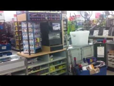 what does the customer service desk at walmart walmart s poor standards customer service doovi