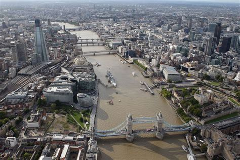 the themes london body pulled from river thames near rotherhithe london