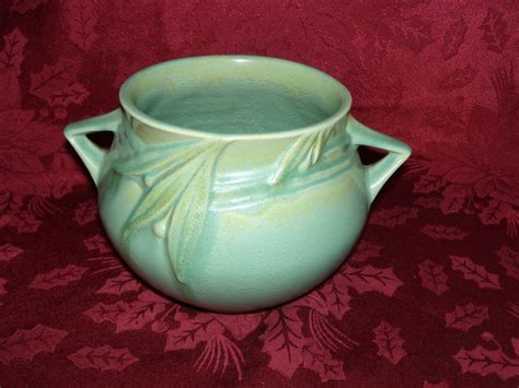 Roseville Planter by Roseville Velmoss Matte Green Planter Vase From Cameo