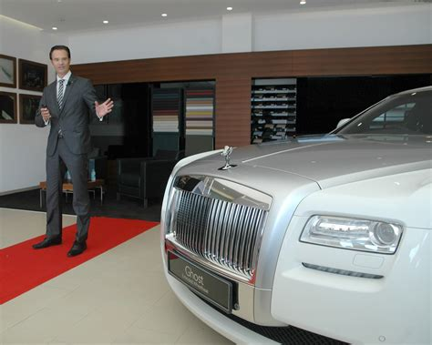 Kia Motors Showroom In India Rolls Royce Opens A New Showroom In Ahmedabad