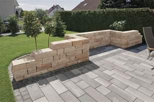 rinn gartengestaltung toskana mauer rinn betonsteine und natursteine