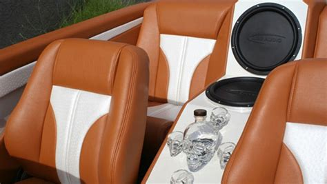 stitches custom upholstery audio for boat and vehicles from in stitches customs