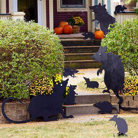 decorar jardin para halloween convierte tu jard 237 n en un t 233 trico decorado de halloween