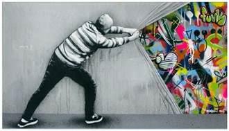 Elephant Wall Mural stencil y graffiti es utilizado para hacer arte urbano por