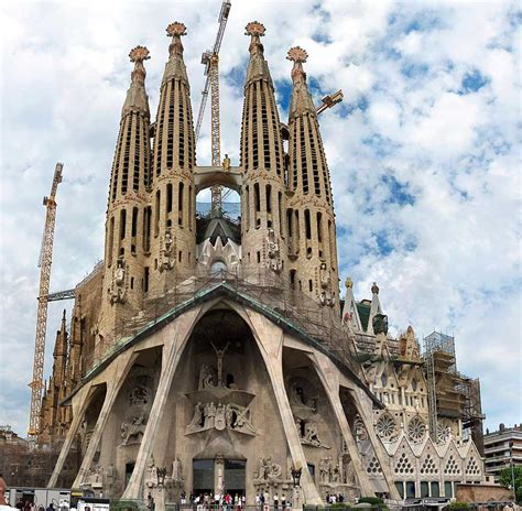 Images of Temple of the Sagrada Familia: Passion Facade by