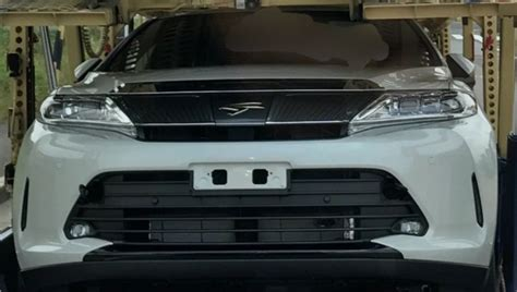Toyota Japan Website Toyota Harrier Facelift Spotted Undisguised In Japan
