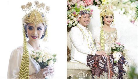 Gaun Pengantin Angsa gelar resepsi pernikahan cantiknya sheza idris bak ratu angsa dengan gaun bertabur 6000
