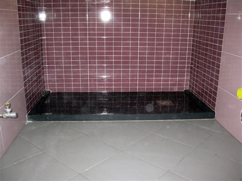 posa piatto doccia foto posa di piatto doccia da design di altezza di 4 cm