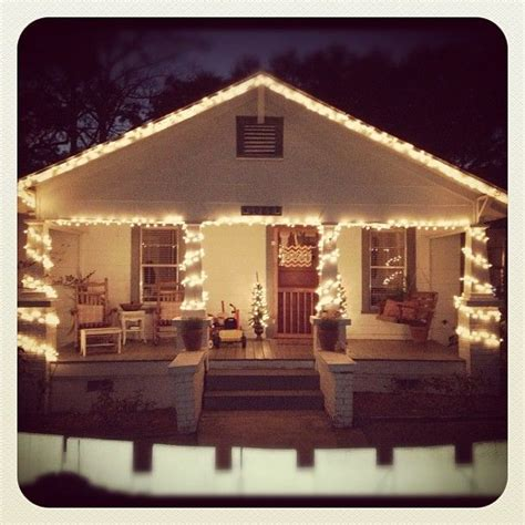 bungalow christmas house best 25 bungalow exterior ideas on house colors exterior green bungalow homes and