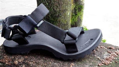 Sandal Gunung Suzuran X Black enigma black sandal gunung awet