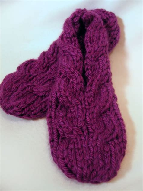 free knitting pattern for slippers to make 2 1 2 hrs slippers free knitting