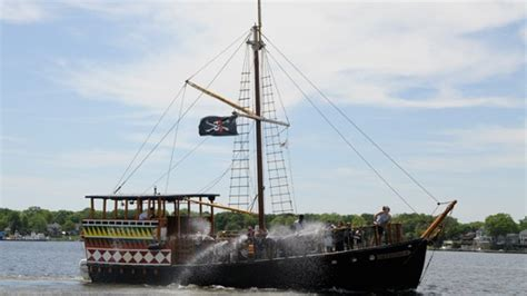barco pirata timanfaya top 10 coolest looking boats ever boats