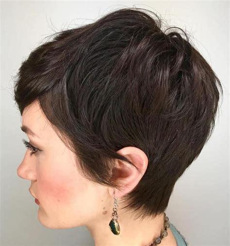 haircut to a beautiful brunette pixie youtube best 25 brunette pixie ideas on pinterest short