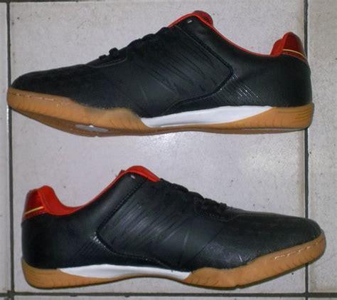 Sepatu All Merah Original toko jual sepatu futsal original murah unik hitam merah