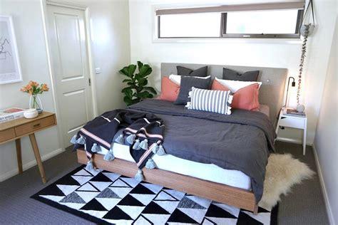 desain kamar gamer minimalis 40 desain kamar tidur sederhana tapi unik keren terbaru