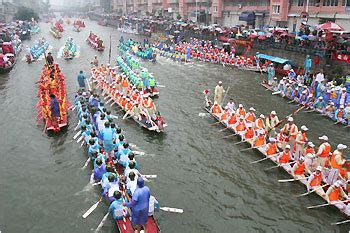 dragon boat festival traditions dragon boat festival carrying on the traditions
