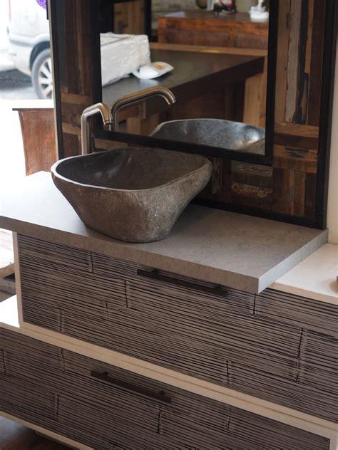 lavabo e mobile bagno mobile bagno in legno e crash bambu con specchiio in legno