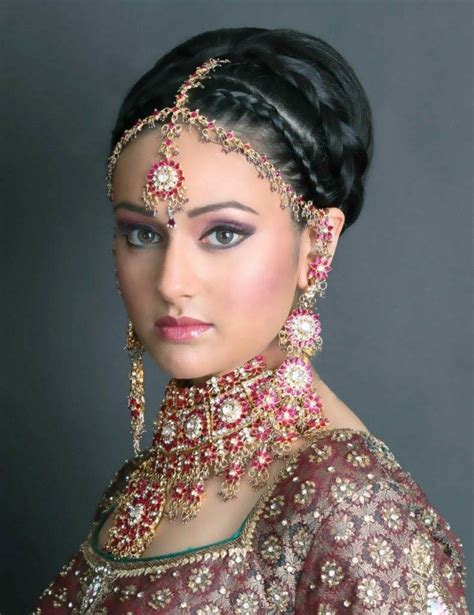 Indian Hairstyles by 20 Indian Bridal Hairstyles Easyday