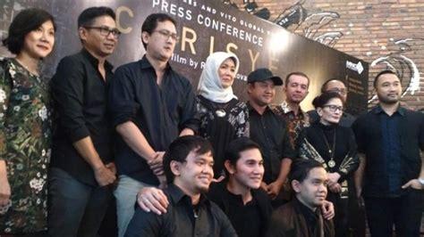 film indonesia chrisye aktor ini rasakan susahnya meyakinkan istri chrisye pt