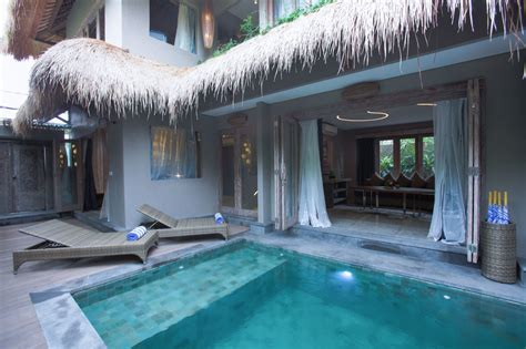 4 bedroom villas in bali 4 bedrooms villa seminyak bali blue karma resort