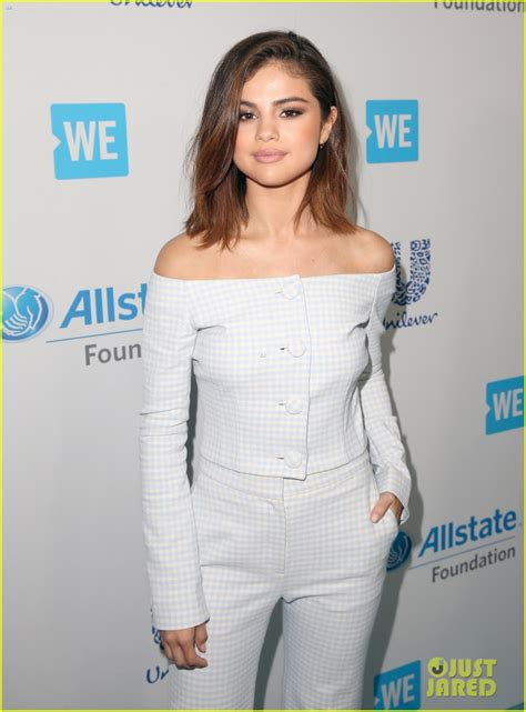 Full Sized Photo of selena gomez we day 2017 host 07