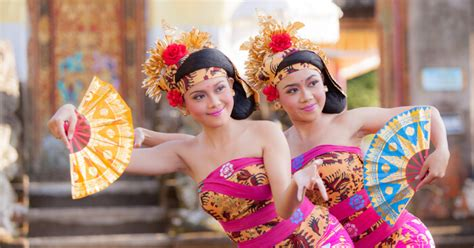 festivals  indonesia   attend    holiday