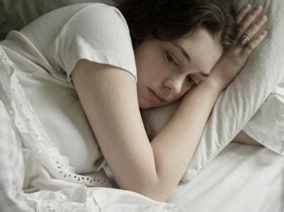 teen girls in bed clinical signs of depression in teenage girls lovetoknow