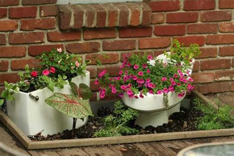 Unique Flower Planter Ideas by 35 Creative Outdoor Home Decorating Ideas And
