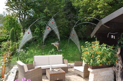 sichtschutz garten genehmigung glas im garten gartenstele aus glas der glasgarten am
