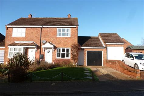 cromer  bed semi detached house  pcm  pw