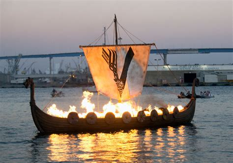 viking fire boat viking ship set on fire during 2017 comic con in publicity