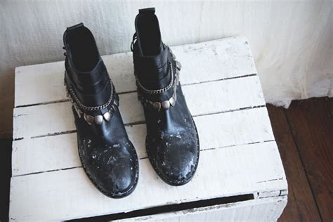 trick remove salt stains from leather boots