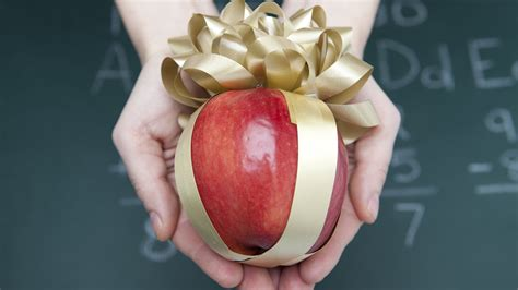 here s a list of the 5 best and worst gifts to give