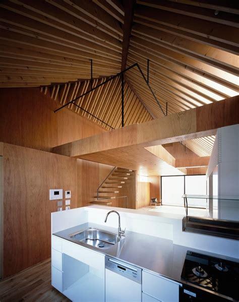 ladari di legno una casa in legno dove il tetto in legno 232 protagonista