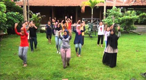 tutorial flash mob tutorial flash mob kelas inspirasi yogyakarta 2016 youtube