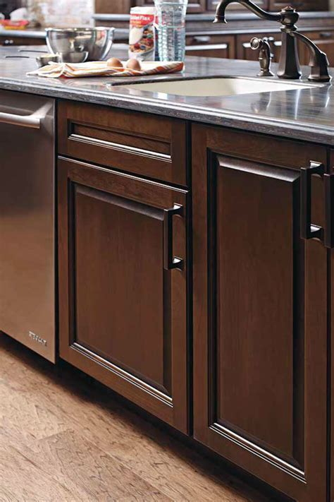 21 inch base cabinet 21 quot sink base cabinet kemper cabinetry