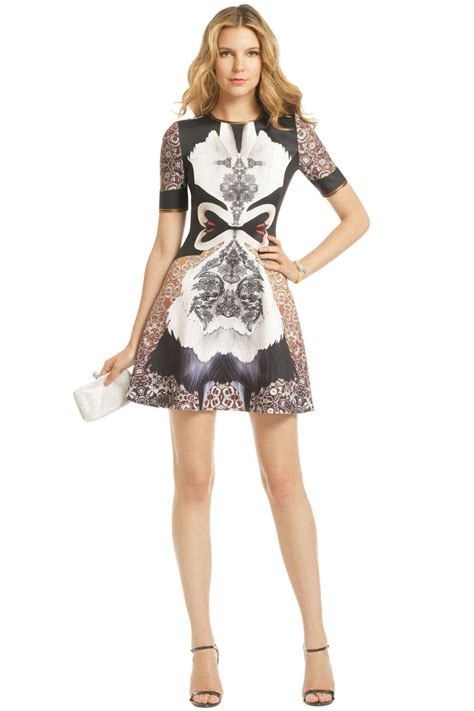 Dress Model Style Impor 31 swan print dress by clover for 30 rent the runway