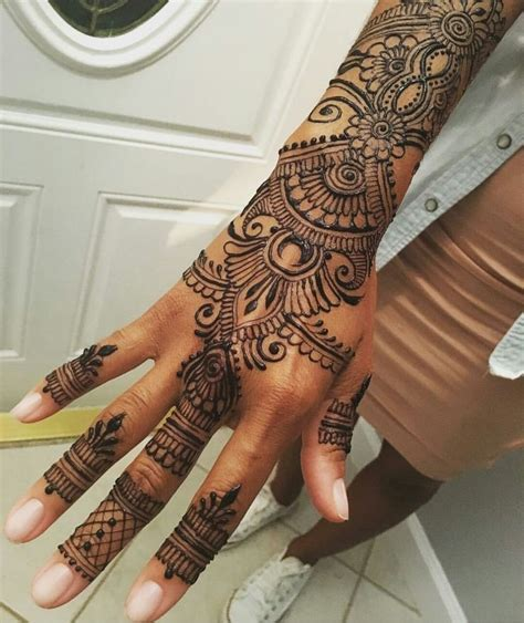 black henna tattoo for left hand inofashionstyle com 25 best ideas about henna tattoos on