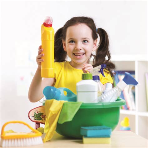Pelindung Anak Dari Perabot Rumah Tangga waspadai racun pada perabot rumah tangga