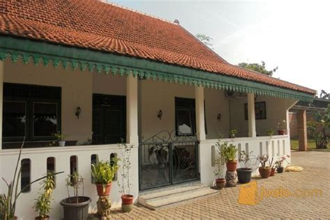 Rumah Renovasi Dengan Halaman Luas Di Jatiranggon Bekasi