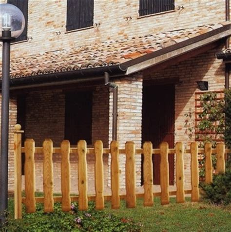 recinti in legno per giardini recinzioni in legno recinzioni