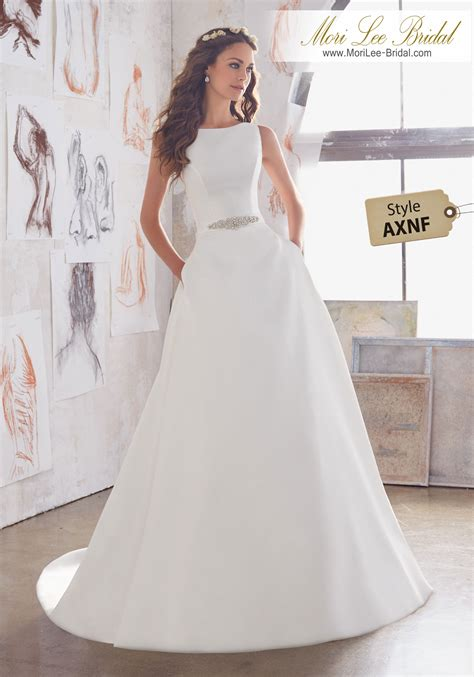 Style Axnf Maxine  Ee  Wedding Ee   Dress Simple Yet Elegant This
