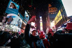 times square alliance new years eve live schedule new year s eve on nyc s times square and the most