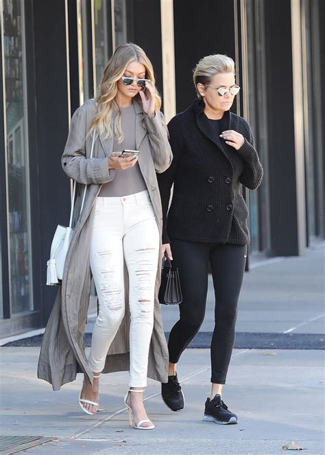yolanda foster spending christmas with ex mohammed hadid with yolanda foster and mohamed hadid reuniting how does