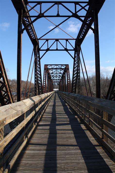 bridgehuntercom  river riverwalk bridge