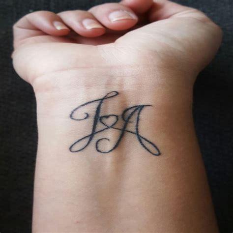 3d tatouage initiale femme galerie tatouage
