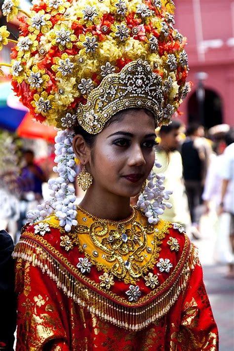 malaysia on pinterest malaysia 4 anotimpuri turism asia traje regional