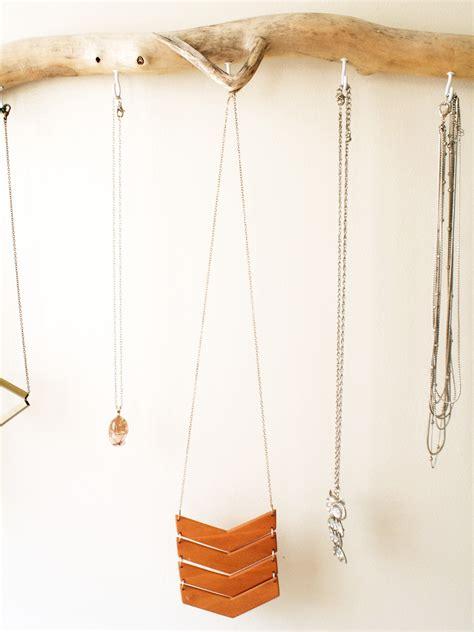 Hanger Diy - diy driftwood jewelry hanger kept
